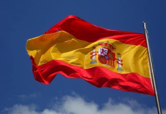 Hiszpania zdejmuje ograniczenia! Dotyczą jazdy w niedziele i święta
