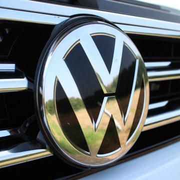 Volkswagen inwestuje w polskie hale magazynowe!
