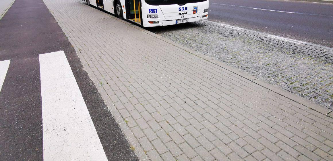 Obostrzenia w transporcie publicznym. Na co trzeba zwracać uwagę?