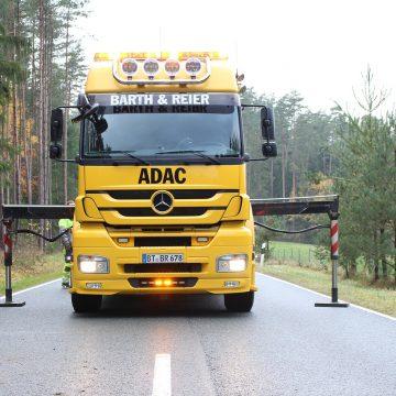 Holowanie aut ciężarowych – co warto o tym wiedzieć?