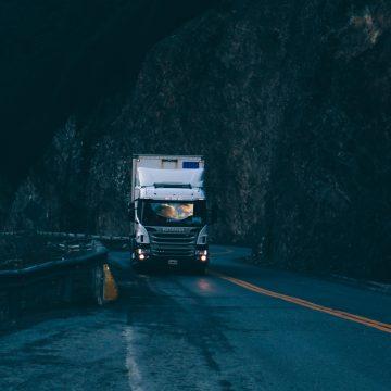 Ograniczenia w ruchu ciężarówek. Najnowsze przepisy