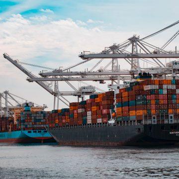 Chiny. Deficyt kontenerów odbije się  na czasie realizacji
