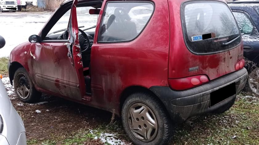 W drzwi samochodu stojącego na obwodnicy uderzyła ciężarówka. Apelujemy o ostrożność