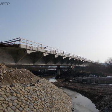 Kurowo. Budowany most oficjalnie połączył brzegi Dunajca