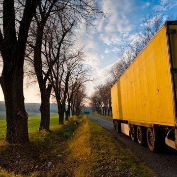 Ochrona towaru na naczepie przed złodziejami – skuteczna i zgodna z prawem