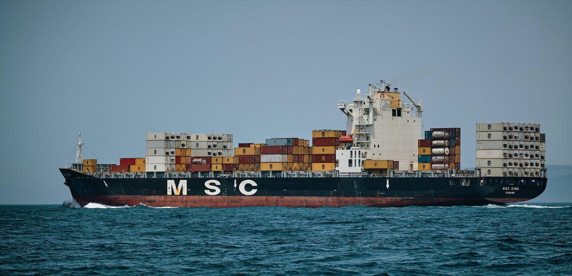 Morze Śródziemne. Kontenerowiec zakorkował Kanał Sueski!