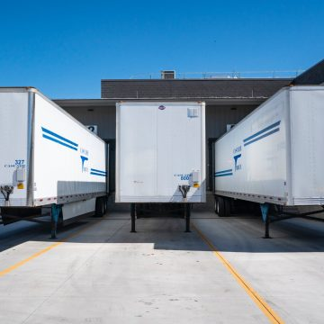 Centrum logistyczne dla małej firmy kurierskiej – co warto o nim wiedzieć?