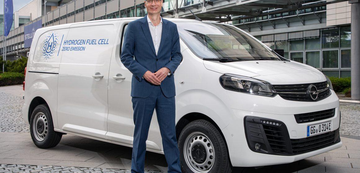 Vivaro-e HYDROGEN: elektryczny dostawczak zasilany ogniwami paliwowymi. Czym zaskoczył Opel?