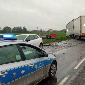 Świątniki: śmiertelny wypadek z udziałem osobówki i pojazdu ciężarowego!