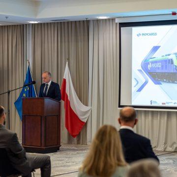 PKP CARGO odebrało pierwsze platformy intermodalne