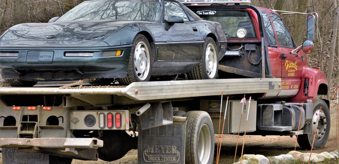Zasady transportu auta na lawecie