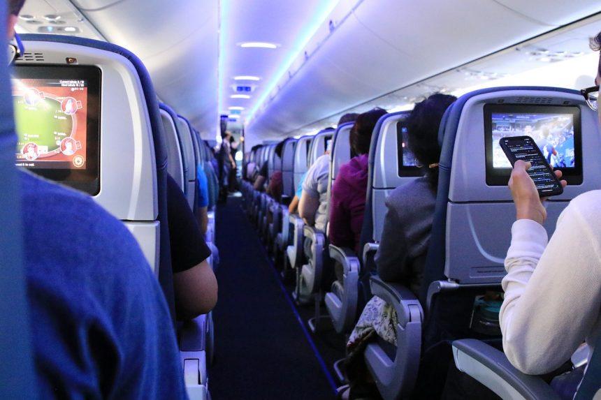 Samochód, kolej, czy samolot – czym ludzie będą podróżować na wakacje?